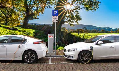 Elektromobilių įkrovimas: ką reikia žinoti apie jungtis