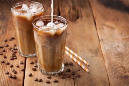 Ekspertė apie kavos tendencijas šiandien: ragaujama burbuliuojanti kava, daugiau domimasi jos istorija