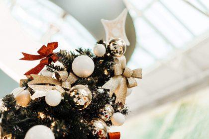 Dirbtinė kalėdinė eglutė: kodėl verta rinktis