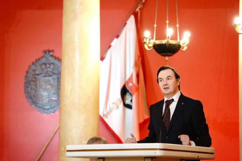 Profesorius Rimvydas Petrauskas pradeda eiti Vilniaus universiteto rektoriaus pareigas