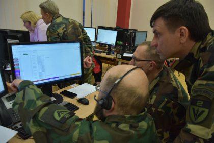 Kovoje su koronavirusu – prie D. Nausėdienės iniciatyvos prisijungiantys karštosios linijos savanoriai bei Lietuvos šauliai