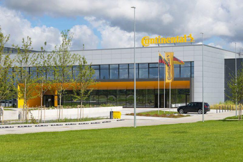 """""""Continental"""" kartu su Visagino technologijos ir verslo profesinio mokymo centru Lietuvoje pradeda dualinio pameistrystės modelio mokymo programą"""