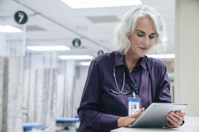 """25 milijonams pandemijos paveiktų žmonių – nauja """"Microsoft"""" iniciatyva trūkstamiems skaitmeniniams įgūdžiams įgyti"""