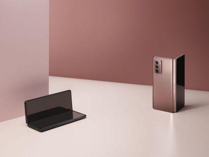 """Daugiausiai aukščiausios klasės išmaniųjų telefonų Baltijos šalyse parduoda """"Samsung"""""""