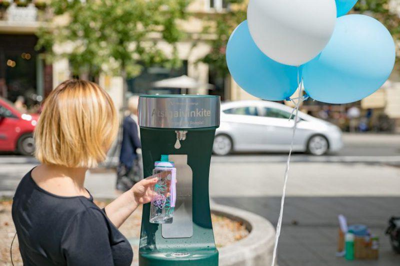 """""""Vilniaus vandenys"""" baigia vandens gertuvių viešose miesto erdvėse sezoną, kitais metais gertuvių tinklą planuoja plėsti"""