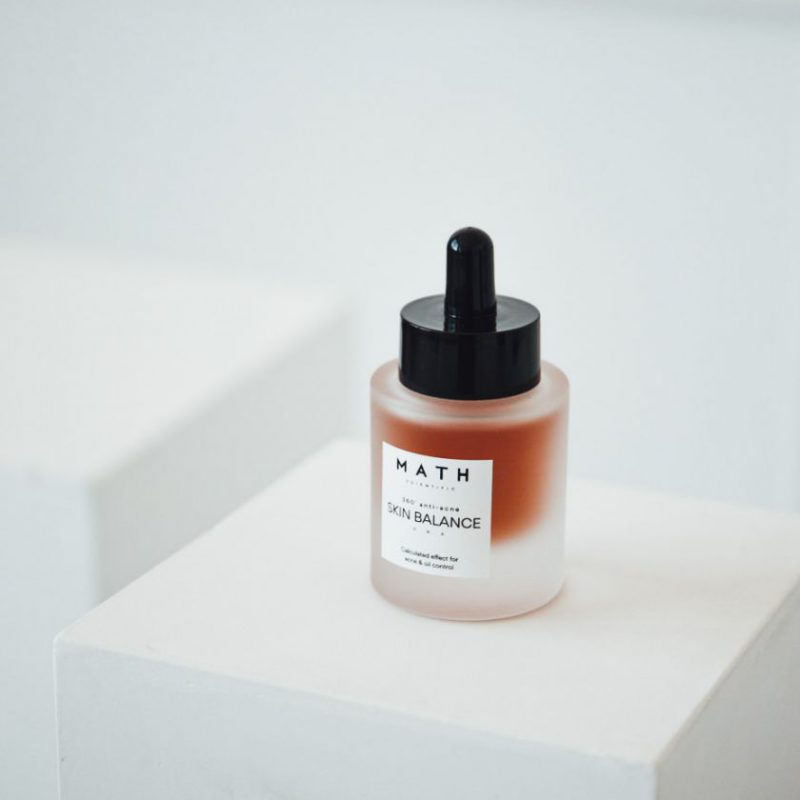 """Su VU mokslininkais lietuvių verslininkų sukurtos kosmetikos prekės ženklo """"MATH Skincare"""" vertė pasiekė pusę milijono eurų"""