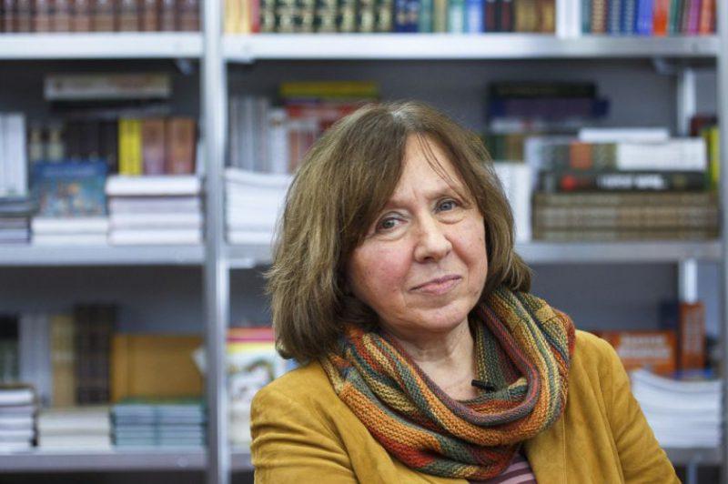 Nobelio premijos laureatei, rašytojai Svetlanai Aleksijevič – VDU Garbės daktaro vardas