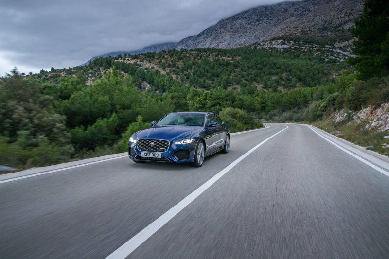 """""""Jaguar"""" – labai turtinga istorija pasižymintys automobiliai"""