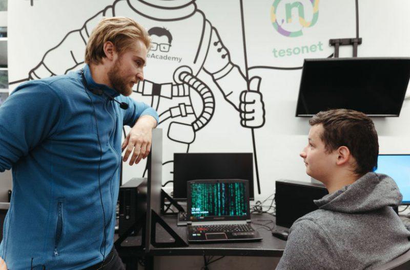 Jaunimo namuose gyvenimą kuriantis Lukas siekia tapti programuotoju: svajonė pamažu virsta realybe