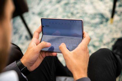 Sulenkiami telefonai grįžta – kodėl vėl auga jų populiarumas?