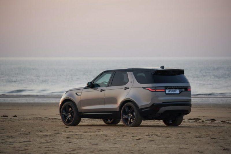 """Kokiais svarbiais privalumais pasižymi """"Land Rover"""" automobiliai"""